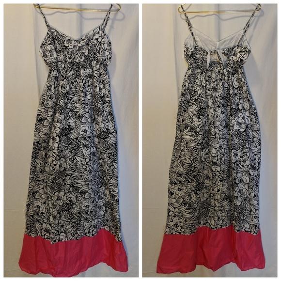 Aeropostale Dresses & Skirts - Aeropostale Black & White Floral Maxi Dress